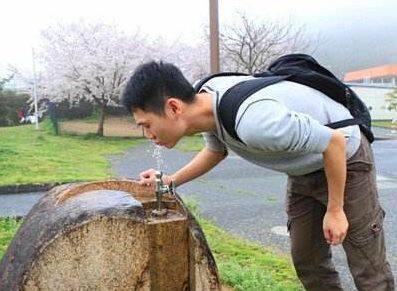 一瓶矿泉水引发的争议:为什么合理诉求不能得到满足?