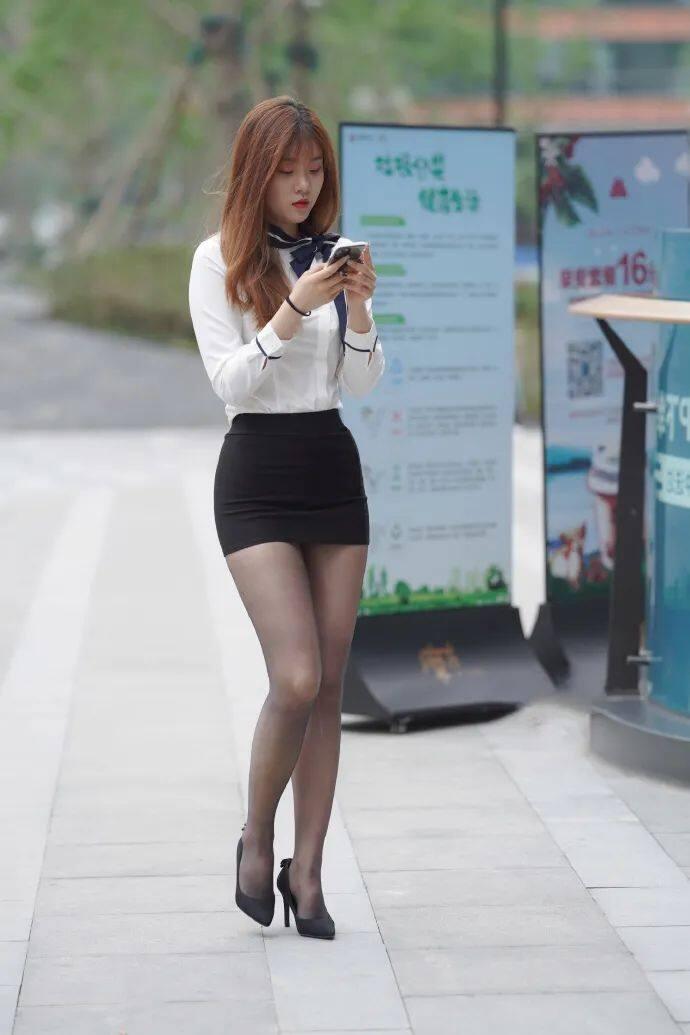 [街拍美女]穿黑裙搭黑丝的时尚女生,这才是职场该有的样子4