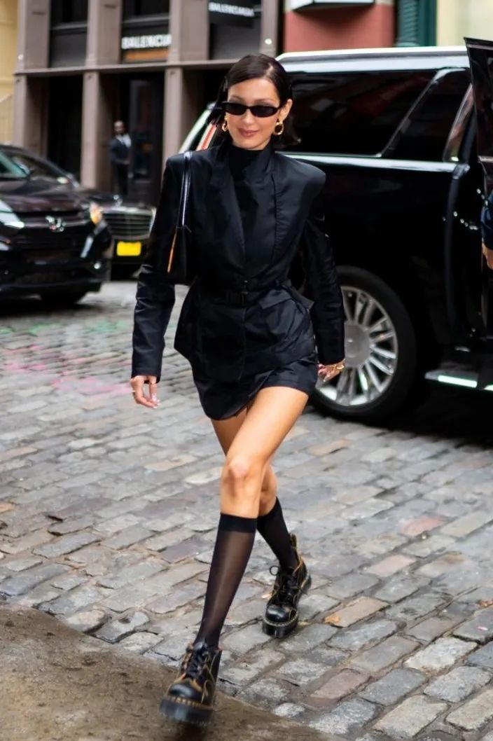 这年头都流行穿黑丝了吗?杨幂、Jennie、华莎的黑丝诱惑,我真的可以!44