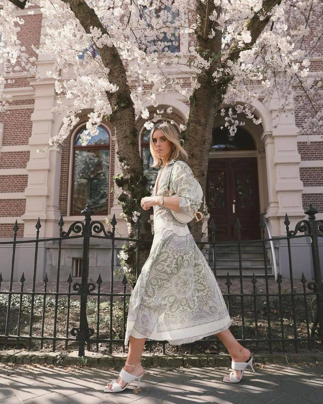 满大街的花裙子,这样穿比别人更美48