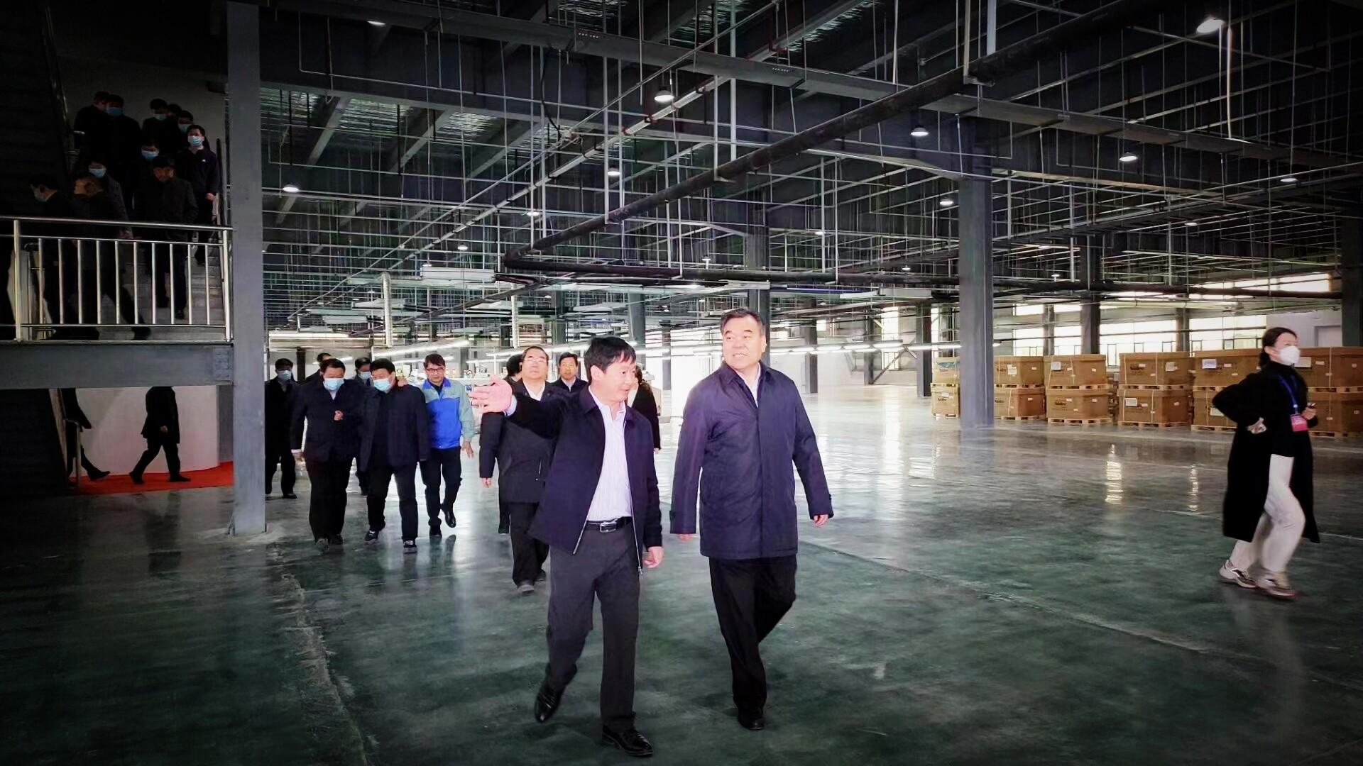 两市七县党政负责人到项城市腾龙科技产业园观摩